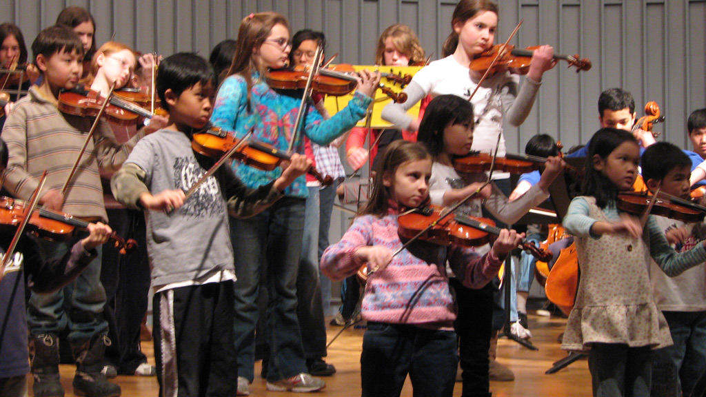 string-academy-of-wisconsin-saw-spangled-banner-13
