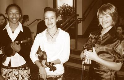 Deana Cooks, Leah Redding and Rebekah Ruetz at the Bayshore Town Centre Concert